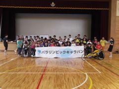 参加者と記念撮影(2013年8月気仙沼)