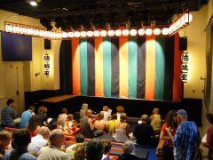 結城座提供写真 2007年アヴィニヨン演劇祭 古典公演特設会場の様子
