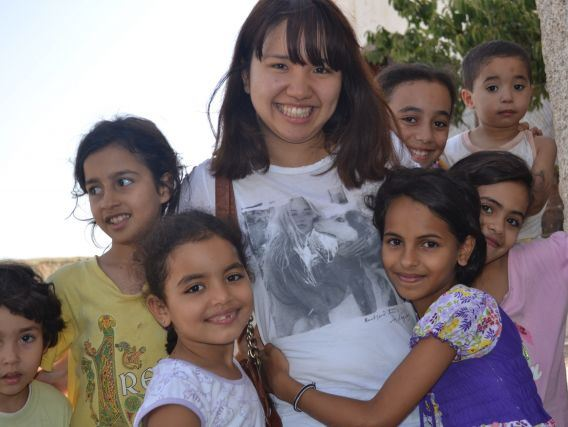国際ワークキャンプに参加をした時に現地の子どもとの交流